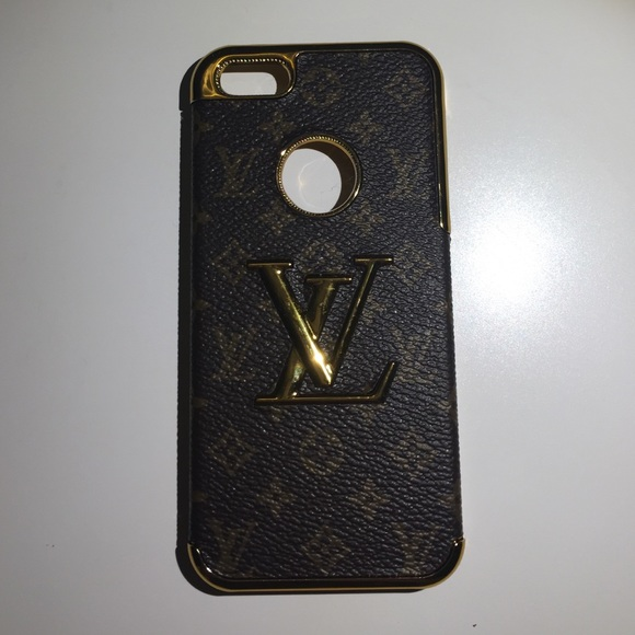 iphone 5s louis vuitton case louis vuitton iphone 5 5s os from rhd s closet on 7191