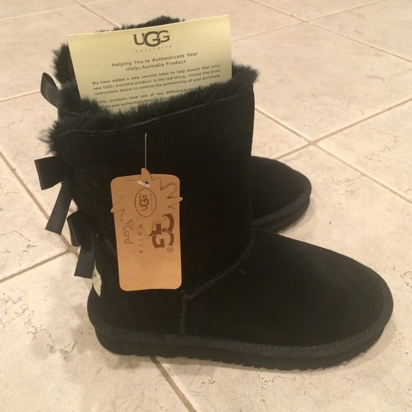 306b41b1e67 Look Alike bailey bow UGG boots