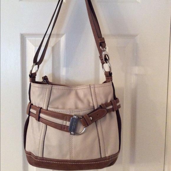 c7d6cc2c67e Tignanello Bags   Tan Brown Leather Cross Body Bag   Poshmark