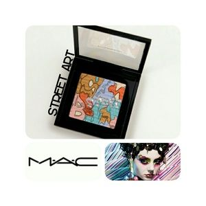 MAC STREET ART EYESHADOW PALLETTE
