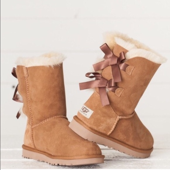 ugg chestnut bailey bow