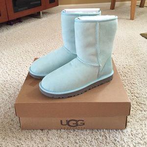 UGG Shoes - Baby blue short ugg boots