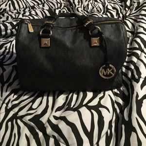 Michael Kors Handbags - Michael Kors Lg Grayson