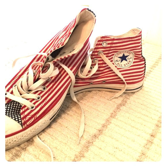38 off converse shoes stars and stripes converse from. Black Bedroom Furniture Sets. Home Design Ideas