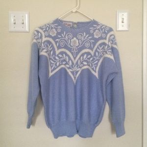 ⭐️ SALE!  Vintage Embroidered Light Blue Sweater