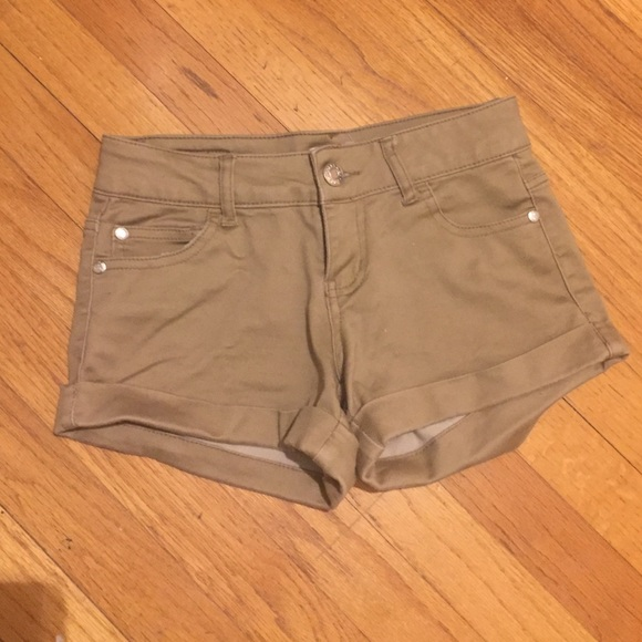 reputable site authentic quality top-rated original Preppy Celebrity pink khaki shorts