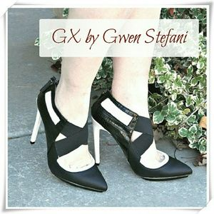 GX by Gwen Stefani Shoes - 😍💚🎉HP🍰🍭💞GX by Gwen Stefani Aime booties.