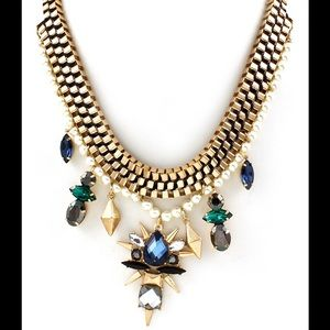 Urban gold tone statement necklace new