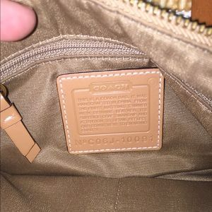Authentic coach shoulder bag .