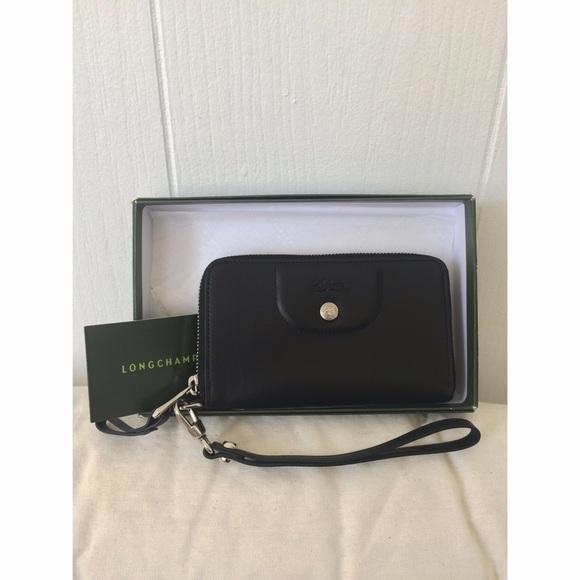 5da39e54e8 Longchamp Bags | Black Le Pliage Cuir Zip Around Wallet | Poshmark