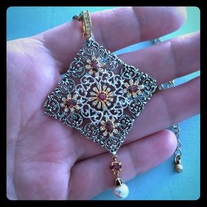 Jewelry - ♦️Filigree Pendant Necklace