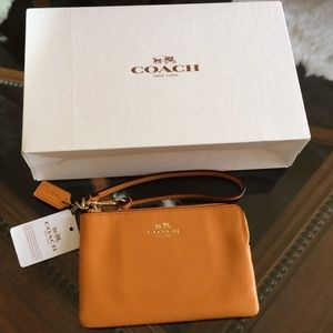 COACH Corner Zip Wristlet in Polish Pebble Leather