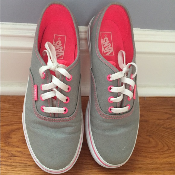 c50184aae5c4 Gray and Pink Vans. M 565892dc522b450a40001636
