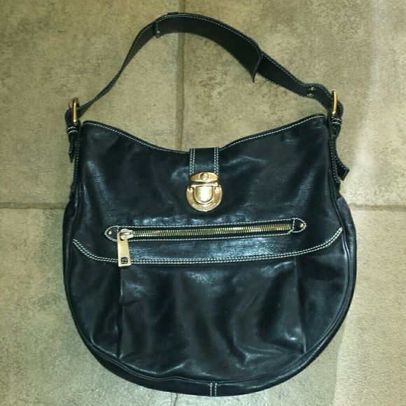 94% off Marc Jacobs Handbags - *SALE* Marc Jacobs large black ...