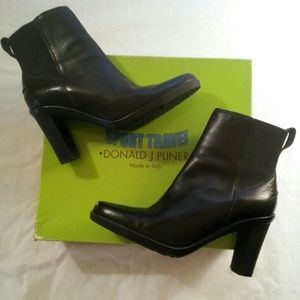 Donald J. Pliner Shoes - 🎉HOST PICK🎉Donald J. Pliner  Boots