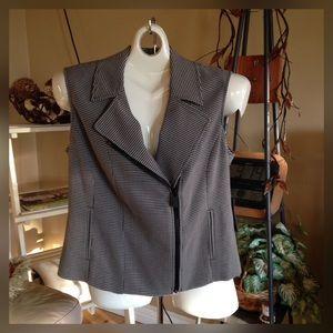 Vince Camuto Jackets & Blazers - White & Black Checkered Vest.