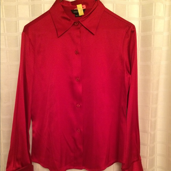 5755a173d5c2b Red Silk Button Down Shirt. Size Small. M 5658ee15ea99a6bfd80185b5