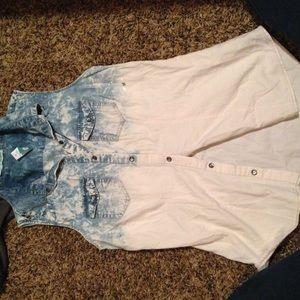 Brand new w/ tags medium Maurice's ombré Jean vest