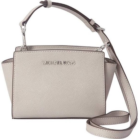 f99fe52da619 Michael Kors Selma Mini Messenger Bag Pearl Grey. M 56590b61ea3f368eec005564