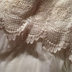 H&M Dresses - Lace Dress✨ {modeled}