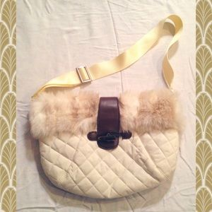 Old Navy quilted faux fur purse❄️