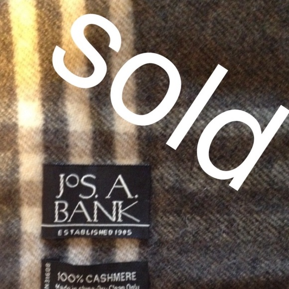 Jos. A. Bank Accessories - Jos. A. Bank. 100% cashmere scarf