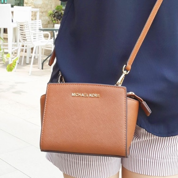 631a615fffbc MICHAEL KORS SELMA MINI SAFFIANO LEATHER CROSSBODY.  M 5659bb3241b4e0f60c00047d
