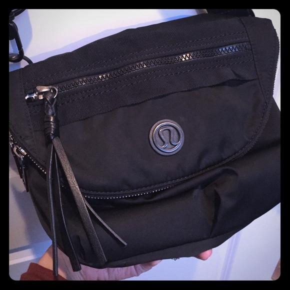 1b737dc2bcfe lululemon athletica Handbags - Lululemon Festival bag in black