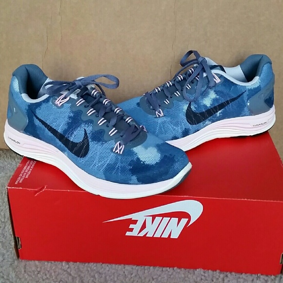 huge discount 1272c f6662 NEW Nike womens lunarglide 5 print ext