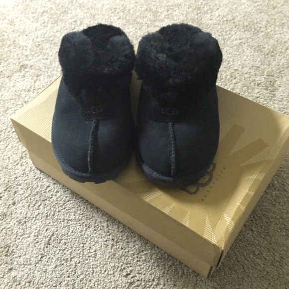 287d0f41ad1 Like new UGG Black coquette slipper clogs w/ Box