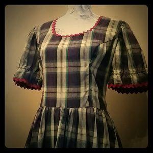 Dresses & Skirts - Adorable 1950s style plaid dress