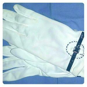 Accessories - Vintage Glove Love