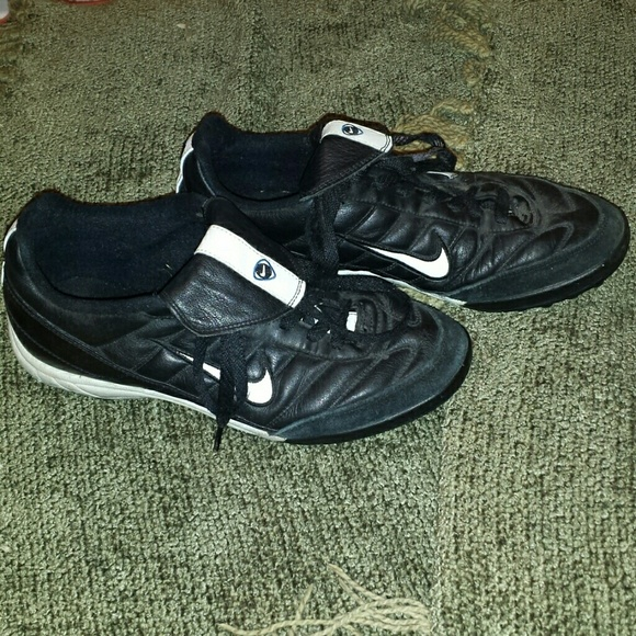 Nike Tiempo Pro Soccer Turf Shoes