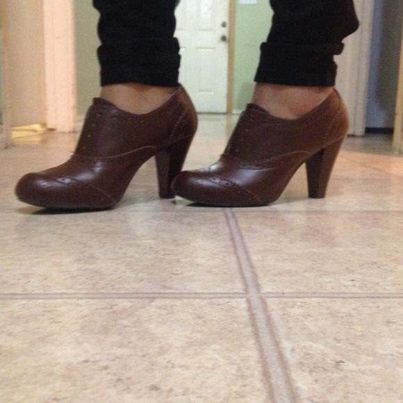 Covington Black Laces Shoes For Women