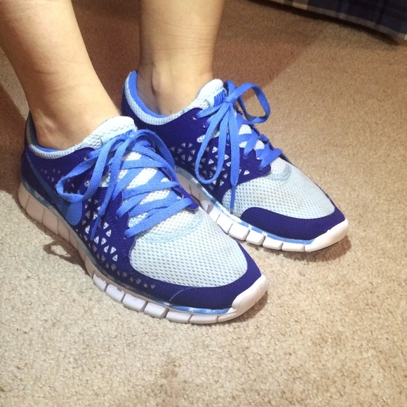 new style 02ae7 60370 Nike Shoes - Pre-loved Nike Frees