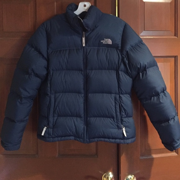 Navy Blue Northface bubble jacket. M 565b03b6d3a2a70688027d05 dbbb7d9789e1