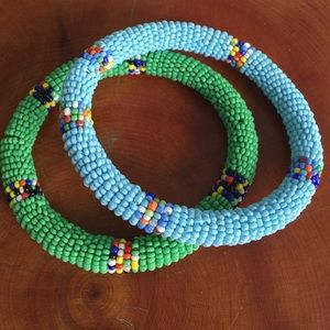 Set of 2 bracelets beads round shape tribal