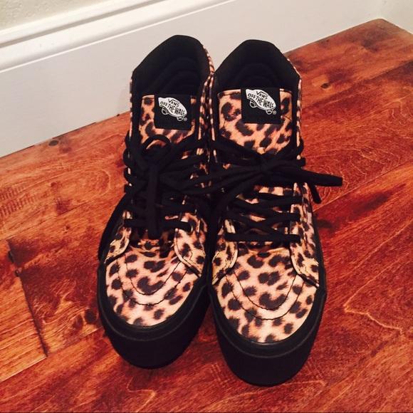a0dab64aa8 Vans Sk-8 Hi Platform Leopard Sneakers. M 565b2c0a620ff7a350001b3c