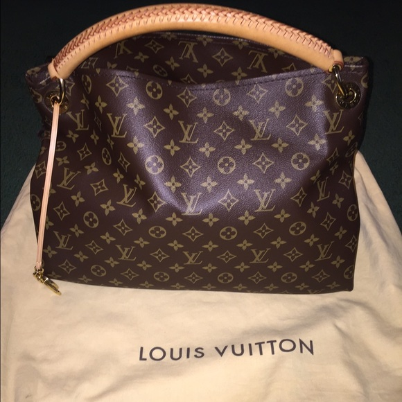 Louis Vuitton Bags   Lv Monogram Artsy Mm Shoulderbag   Poshmark 7b5a40530db