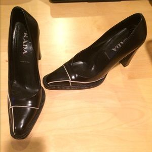 PRADA Pumps. **AUTHENTIC **