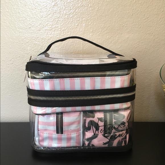 08a393ee38 🌸BNWT- VS 4 piece makeup bag set!