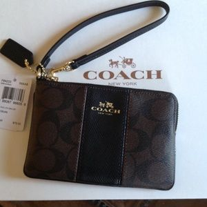 Coach ColorBlock Signature Leather Wristlet