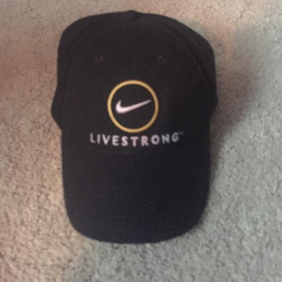 bfa2726dc8adb Nike Livestrong Hat. M 565b78b244adbaf3e102ddcb