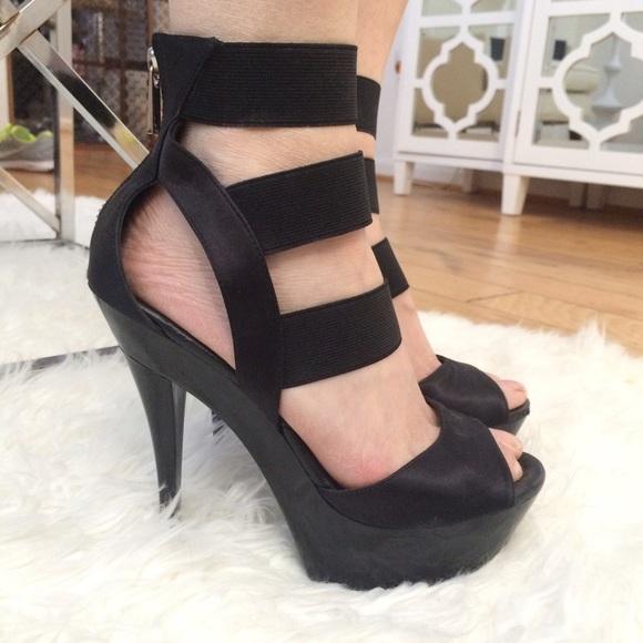 107880c783a2 Jessica Simpson Shoes - Jessica Simpson Black Strappy Platform Heel Size 6