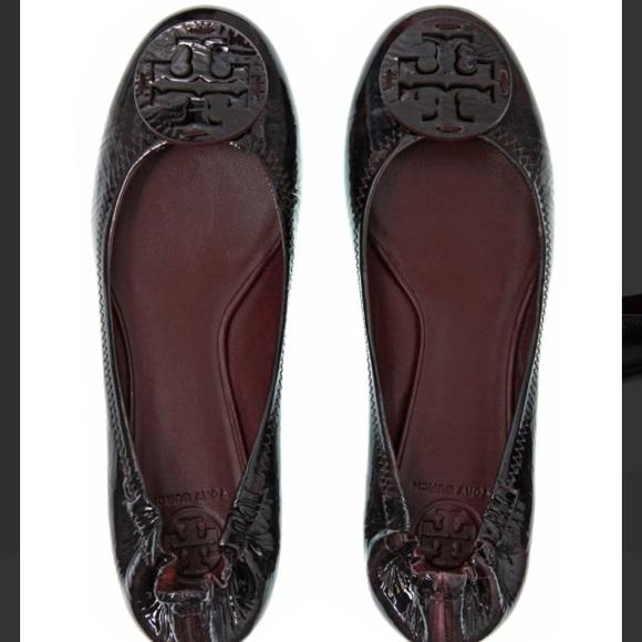 bccc37414759 Tory Burch  reva  flats in patent leather eggplant.  M 565baafb2599fee3d10091c5