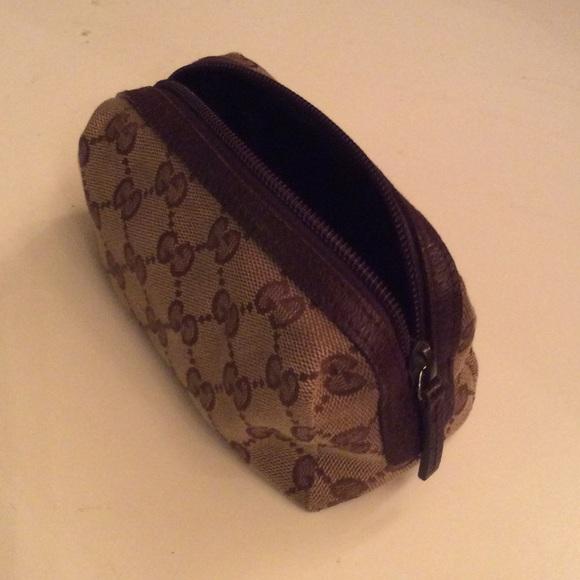 0d29f35cd37 Gucci Handbags - Authentic Gucci Beige Monogram Canvas Makeup Bag