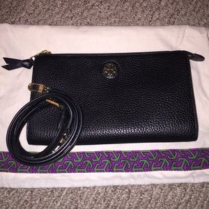 Tory Burch Handbags - Like New Robinson Crossbody