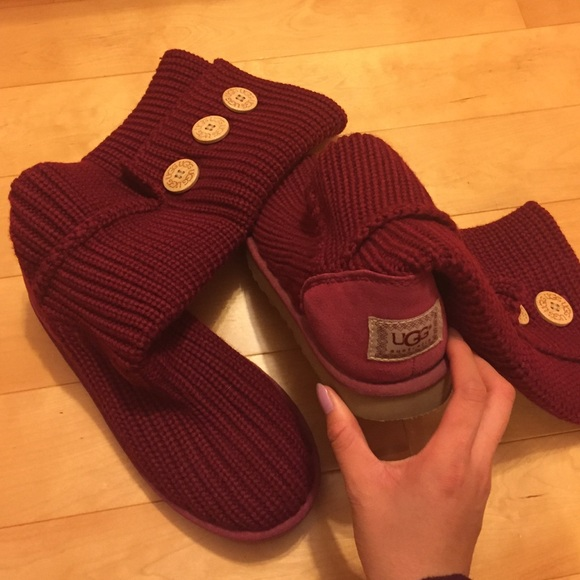 Maroon wine red Classic cardy knit Ugg
