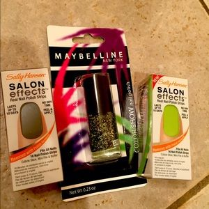 Other - Black and green nail bundle