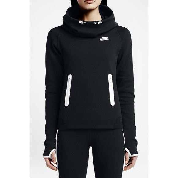 Black women s nike tech fleece hoodie. M 565bcf57fbf6f9335300c772 056382afb9